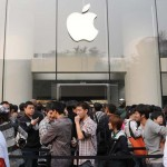 Ansturm auf das iPhone4 in China (Xinhua Photo)