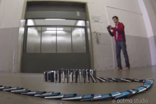 Video: 10.000 iPhone 5 als Dominosteine